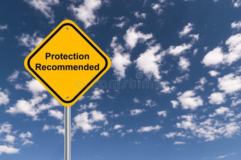保护推荐了交通标志 免版税库存图片