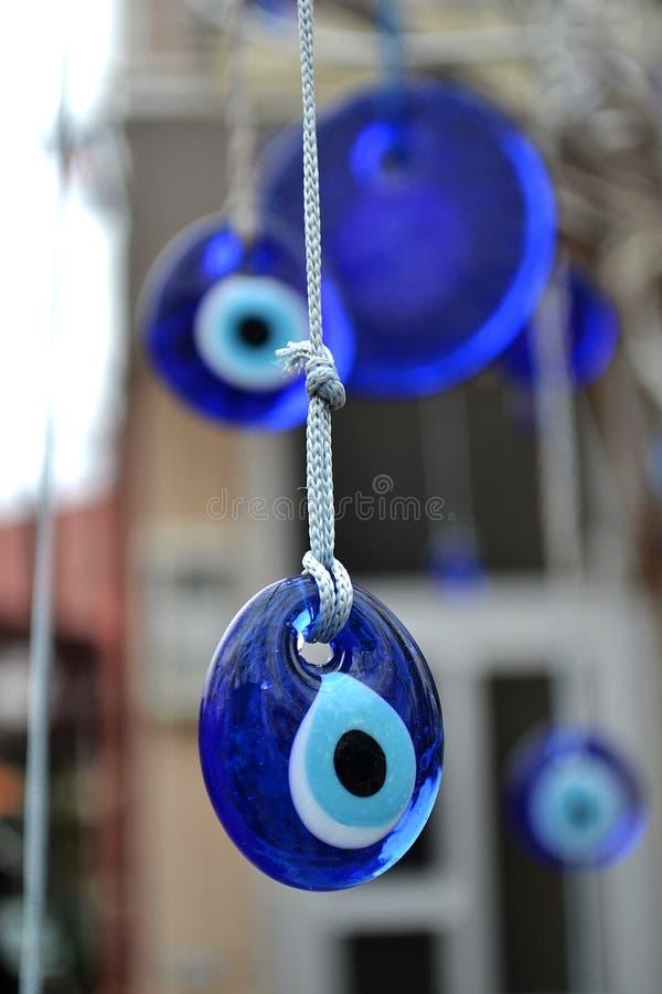 保护的土耳其眼睛型蓝色护身符 免版税库存照片