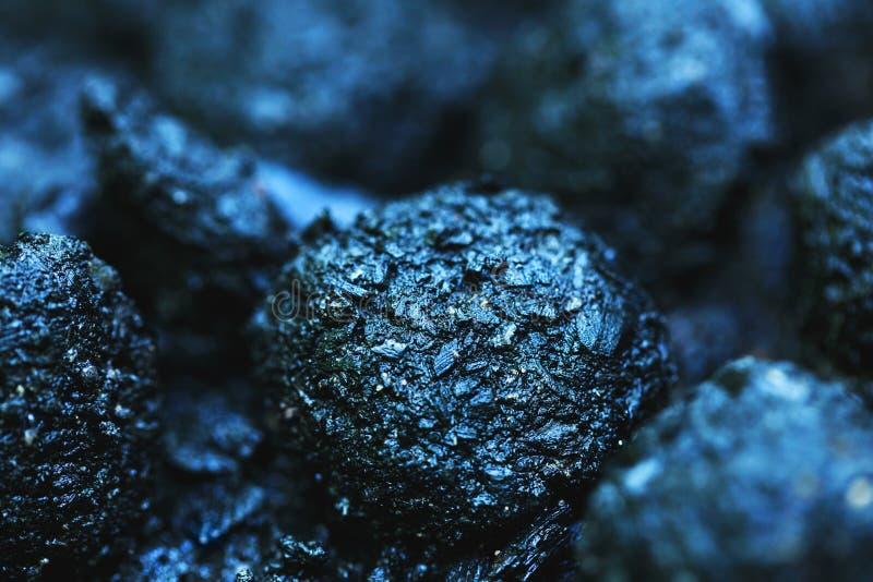 保持在消防队服务干预以后的湿煤炭 库存照片