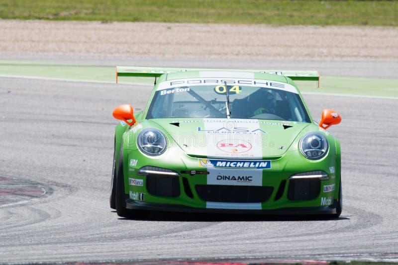 保时捷911 GT3杯赛车 免版税库存照片