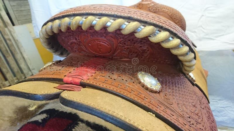 保罗特纳短距离冲刺的马西部展示马鞍背面图 库存图片