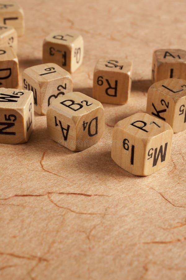 信件把-阅读困难-教育切成小方块 图库摄影