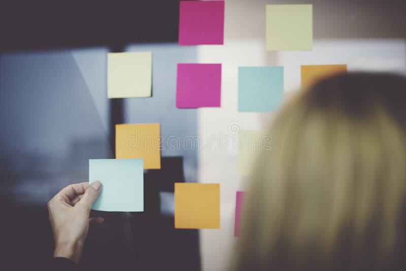 信息提示备忘录办公室通知概念 库存照片