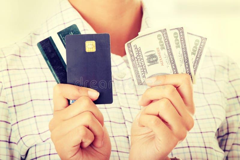 信用卡和现金 库存图片