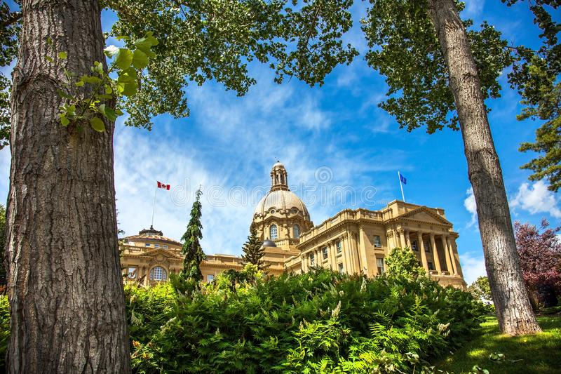 修建埃德蒙顿加拿大的亚伯大立法机关 免版税库存照片