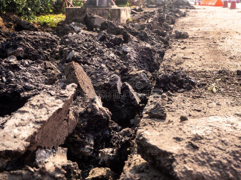 修理与手提凿岩机一起使用的路 机器钻子沥青 库存图片
