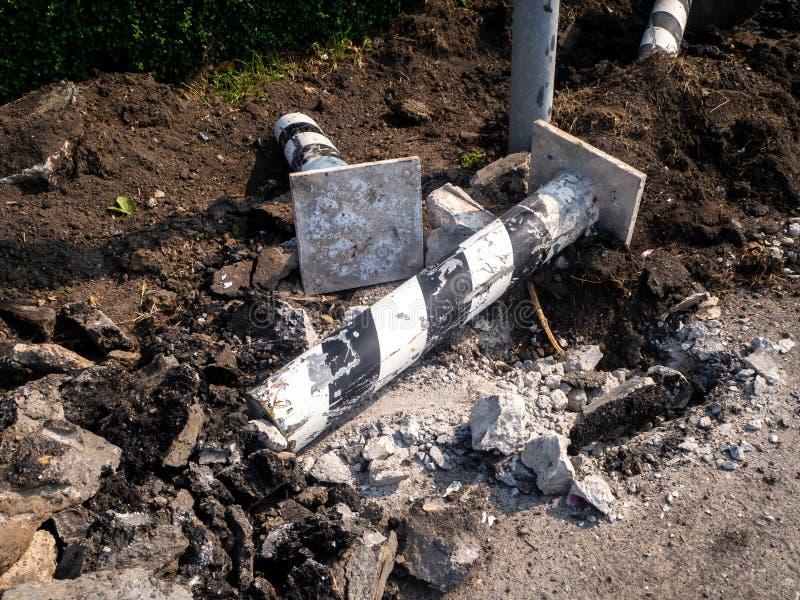 修理与手提凿岩机一起使用的路 机器钻子沥青 免版税图库摄影