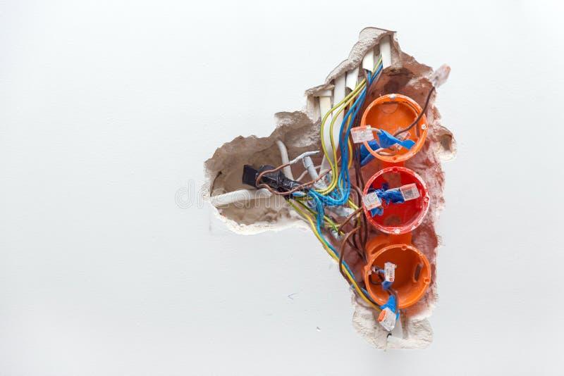 修理损坏的插口 库存照片