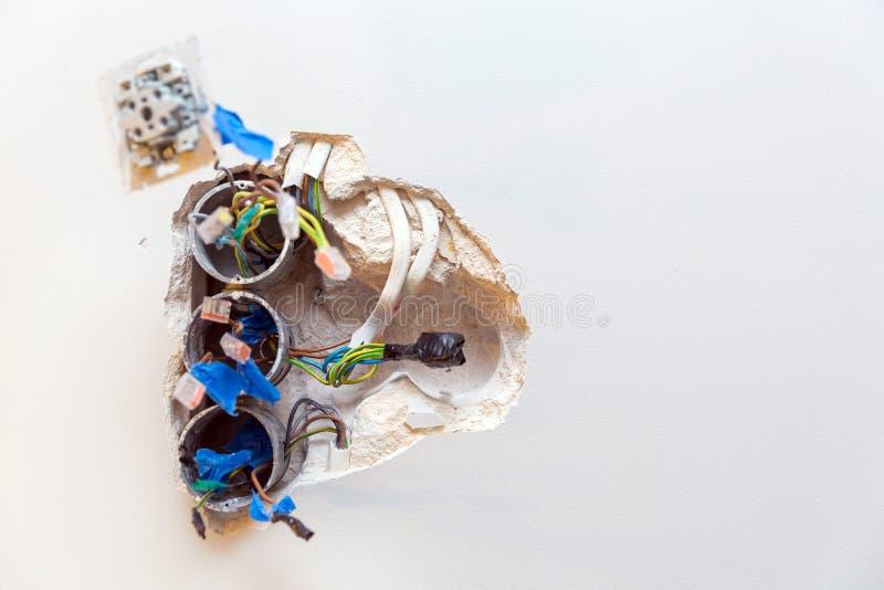 修理损坏的插口 免版税库存图片