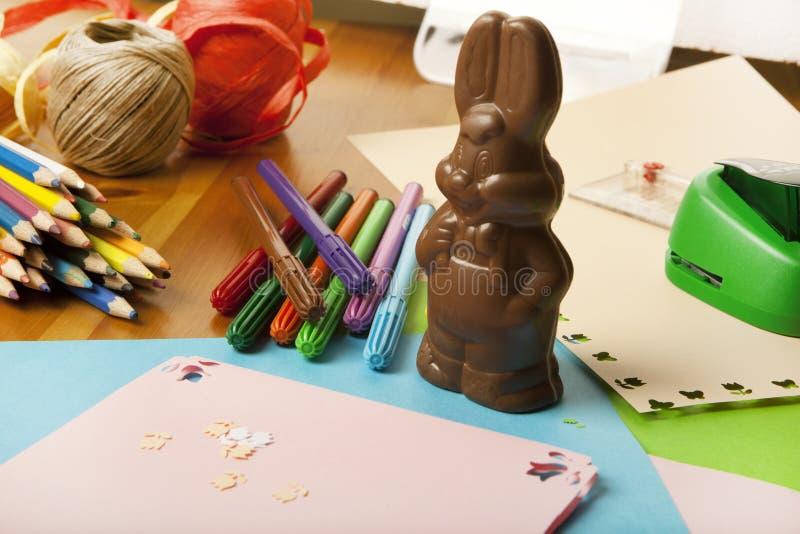 修补破铜铁者复活节兔子 免版税图库摄影