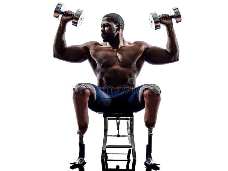 修造有腿prosthe的有残障的车身制造厂重量人 库存照片