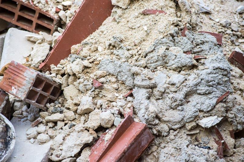 修造的瓦砾背景与赤土陶器砖和其他白色石砖的非常著名在西西里岛 免版税图库摄影