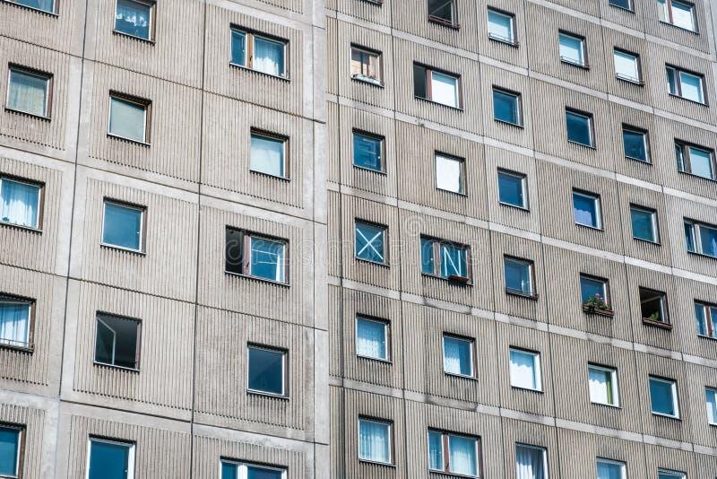修造的门面,Plattenbau,柏林-预制混凝土平板房子 库存图片