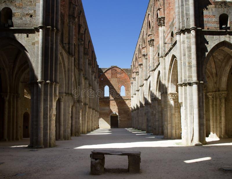 修道院galgano废墟圣 免版税库存照片