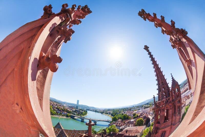 俯视从巴塞尔主教座堂塔的莱茵河银行 库存图片