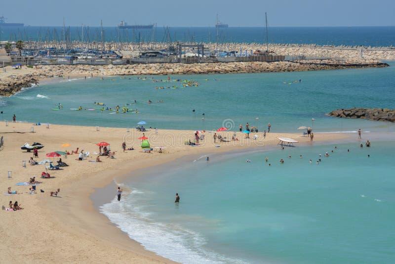 俯视在地中海的美女在以色列海滩吧播韩国主图片