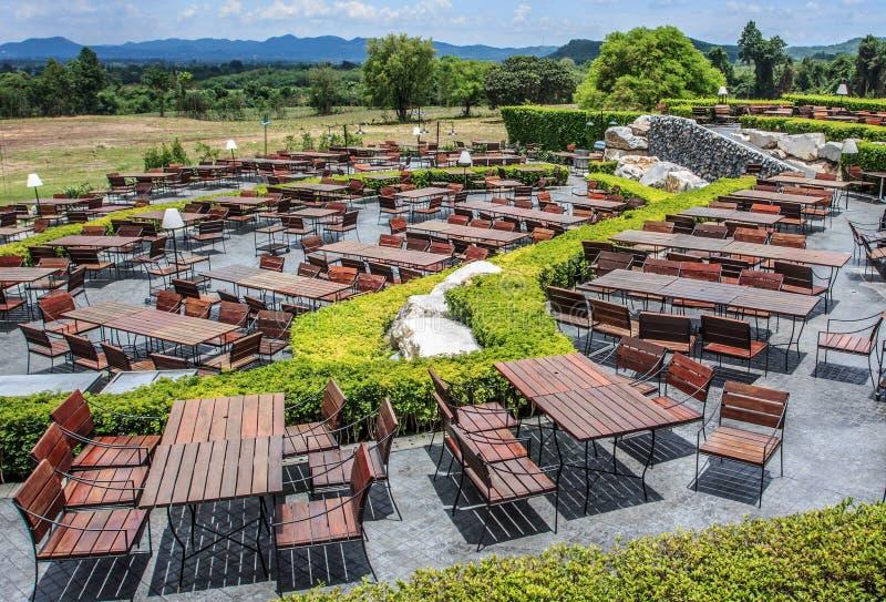 俯视山的餐馆 库存图片