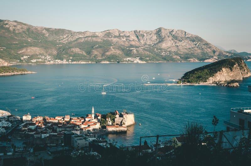 俯视布德瓦,黑山的看法 库存照片