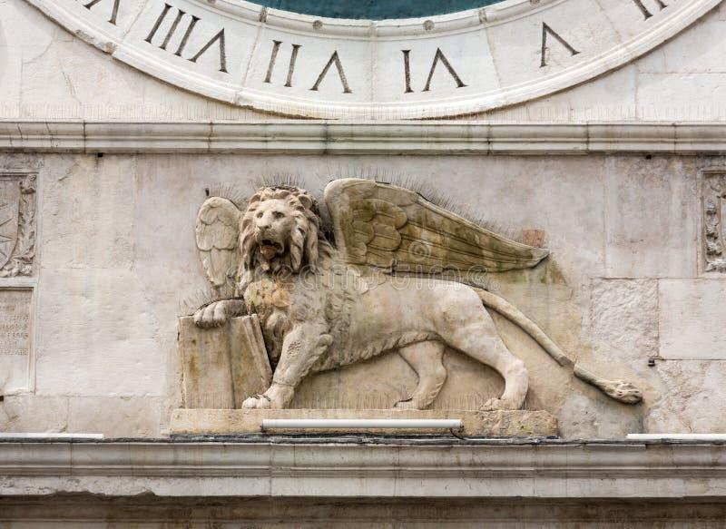 俯视广场dei绅士的钟楼大厦中世纪起源在帕多瓦, 免版税库存图片