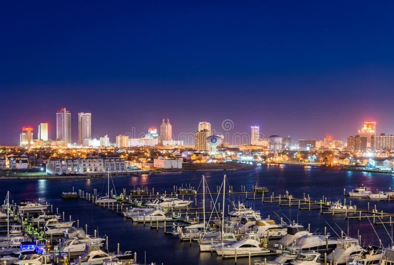 俯视的状态小游艇船坞港口在大西洋城,新泽西在 库存照片