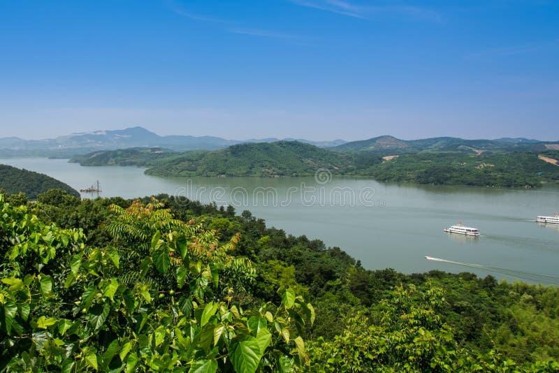从俯视tianmu湖的小山的顶端 库存照片
