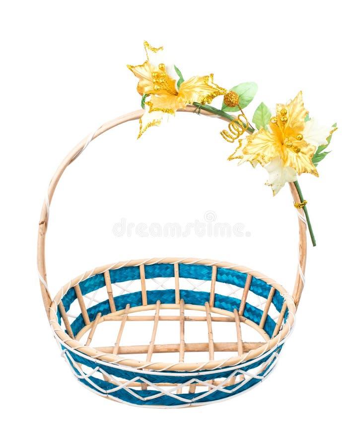 倒空与花的柳条筐在白色背景 库存照片