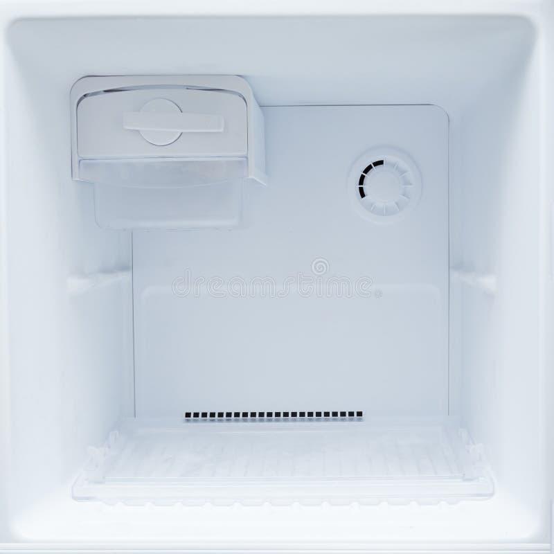 倒空冷冻机冰箱 库存照片