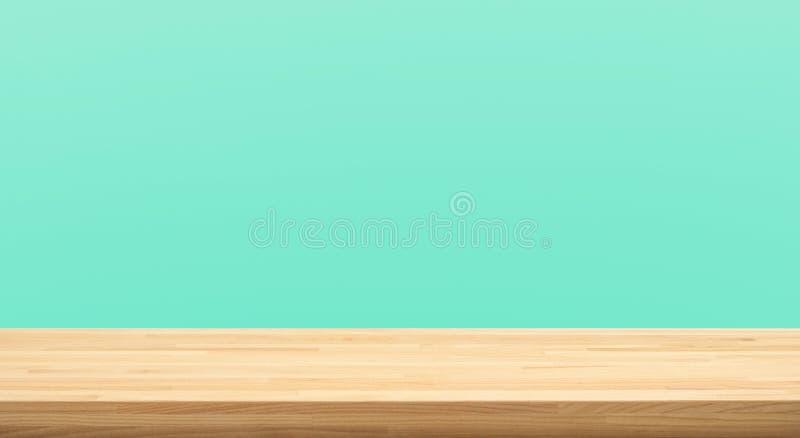 倒空在绿色淡色背景的木台式 对蒙太奇产品显示或设计关键视觉 免版税库存图片