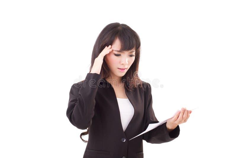 翻倒画象,恼怒,消极,沮丧的亚裔女商人 免版税图库摄影