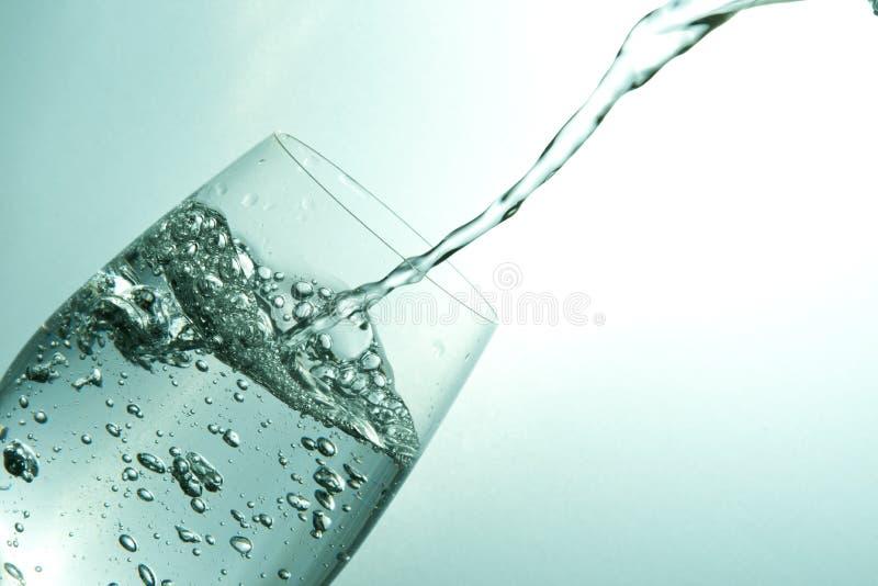 倾吐的水 免版税库存图片