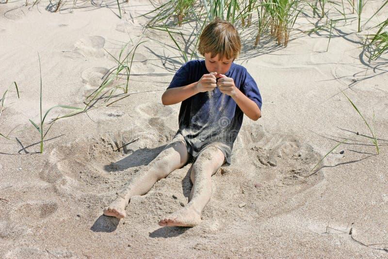 倾吐的沙子 免版税库存照片