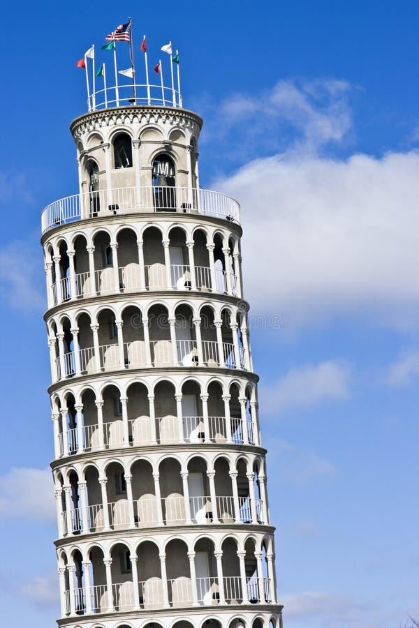 倾斜的复制品塔 免版税图库摄影