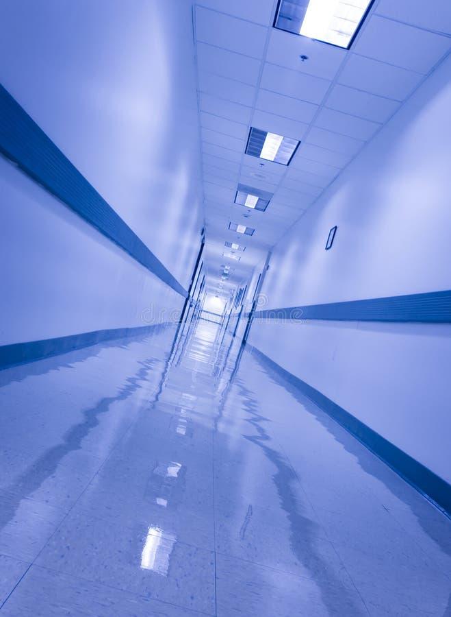 倾斜的走廊 免版税图库摄影