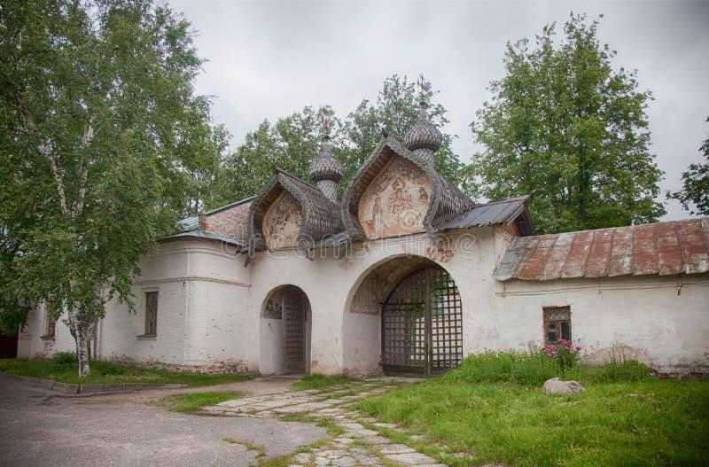 假定招标veliky教会的novgorod 17世纪的Znamensky大教堂 免版税库存图片