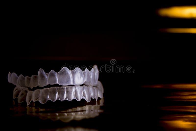 假牙无形的畸齿矫正术 库存图片