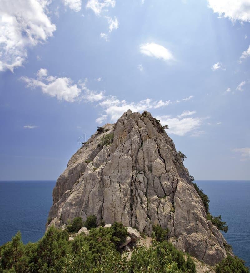 偏僻的岩石 免版税库存图片