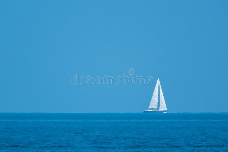 偏僻的船 免版税图库摄影