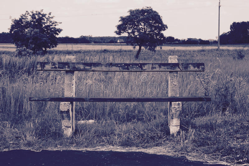 偏僻的长凳 库存图片