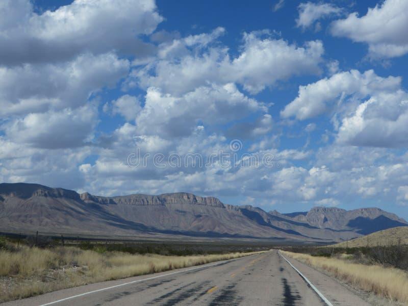 偏僻的高速公路 免版税图库摄影