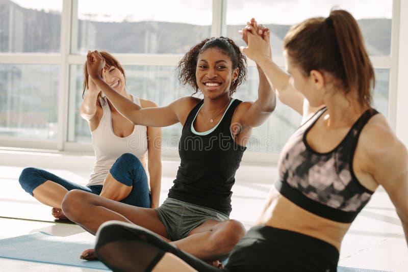 做上流五的成功的健身类 免版税库存图片