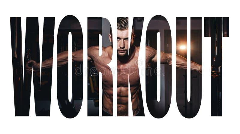 做与杠铃的运动年轻人锻炼在健身房 英俊的肌肉爱好健美者人解决 单色图象 Motiva 免版税库存照片
