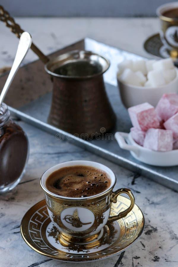 做土耳其咖啡 免版税图库摄影