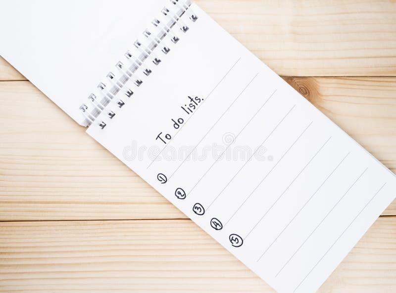 做在笔记本9的名单 免版税库存照片