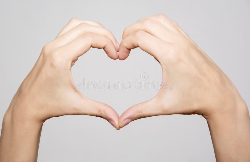 Download 做形状心脏的女性手 库存图片. 图片 包括有 详细资料, 女孩, 手指, 皮肤, 可爱, 2月, 情感, 逗人喜爱 - 62538805