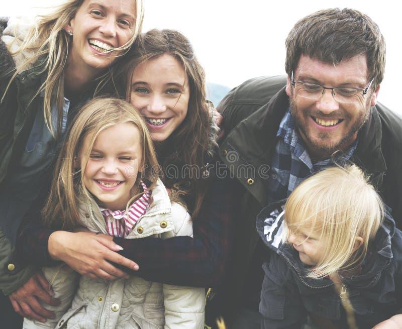 做父母统一性放松概念的家庭世代 免版税库存图片