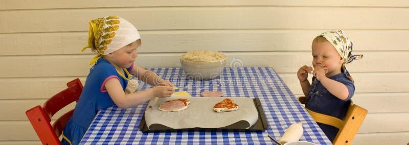 做薄饼的子项 免版税库存照片