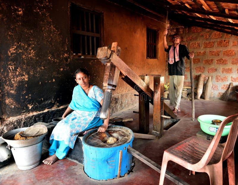 做被搅拌的米在印度 库存图片