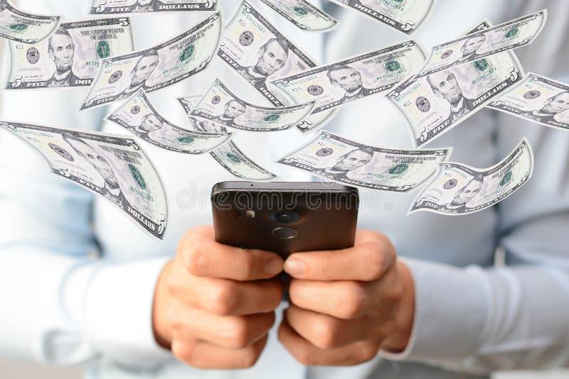做金钱与妇女的网上概念递拿着智能手机 免版税库存图片