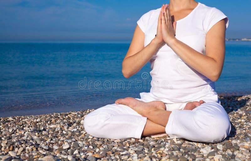download 做鍛煉的瑜伽婦女 庫存照片.圖片