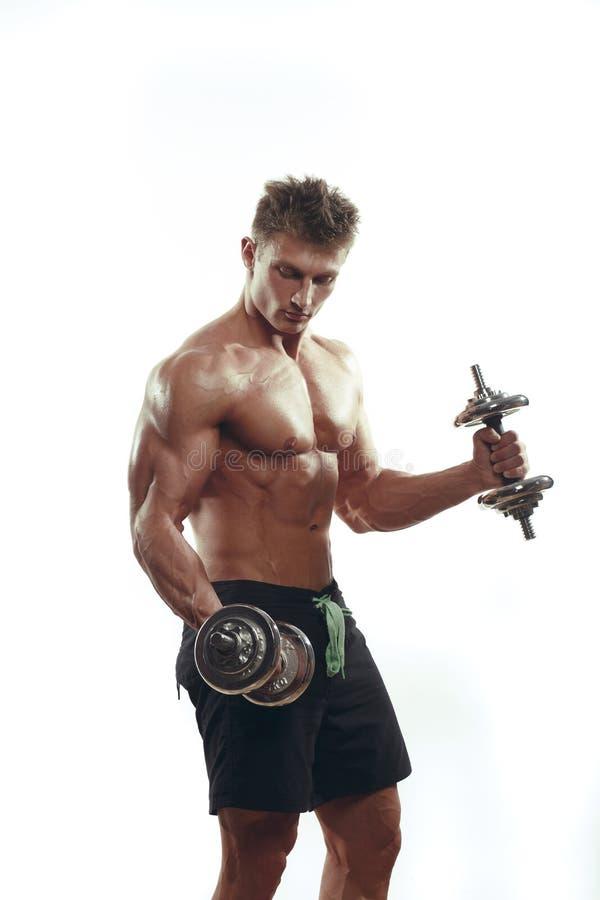 做锻炼的肌肉爱好健美者人 免版税库存图片